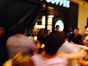 Tumulto durante o rolezinho (Foto: Daniel Silveira/ G1)