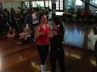 Ivete Sangalo coloca Glenda Kozlowski para dançar em gravação