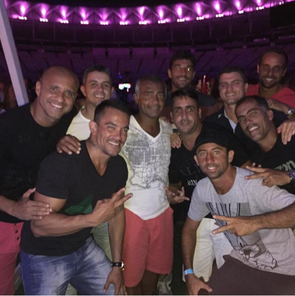 """BLOG: Romário fecha o carnaval em festa com Felipe no Maracanã: """"Minha casa"""""""