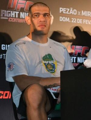 Antônio Pezão, em coletiva após o UFC Porto Alegre (Foto: Marcelo Barone)