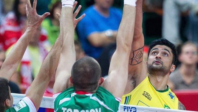 leandro vissotto brasil x bulgaria volei (Foto: EFE)