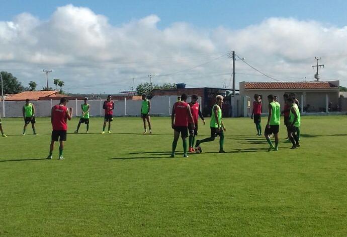 Jogadores do Cordino fazendo ajustes finais para partida diante do Sampaio Corrêa (Foto: Divulgação)