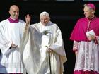 Bento XVI diz seu caminho teológico não seria imaginável sem João Paulo II