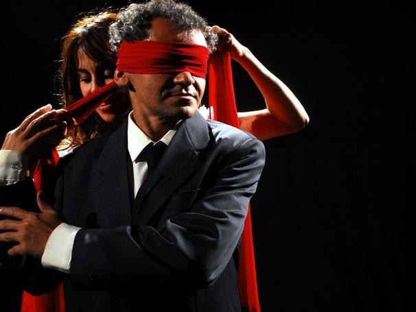 Gero Camilo e Paula Cohen em cena de 'Cleide, Eló e as Peras' (Foto: Divulgação)