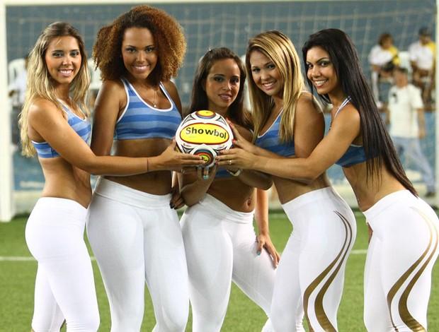 Modelos chamam a atenção no Carioca de showbol (Foto: Ricardo Cassiano/Divulgação)