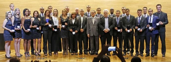 Árbitros com insígnia Fifa (Foto: Rafael Ribeiro/CBF)