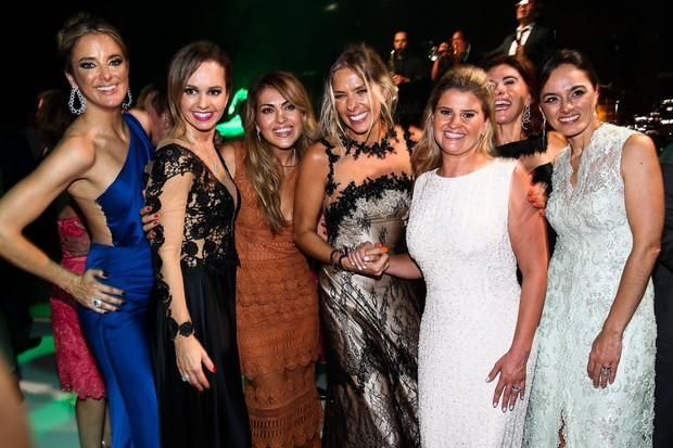Ticiane, Deborah, Jeniffer, Adriane e Helena Caio (Foto: Manuela Scarpa/Photo Rio News)