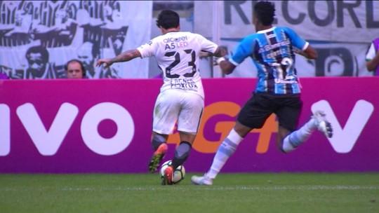 """Edílson e Cortez recebem 3º amarelo e """"limpam ficha"""" contra Palmeiras"""