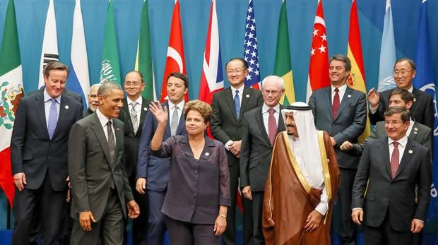 Dilma participou ao lado de outros chefes de Estado da foto oficial da reunião de cúpula do G20 (Foto: Roberto Stuckert Filho/PR)