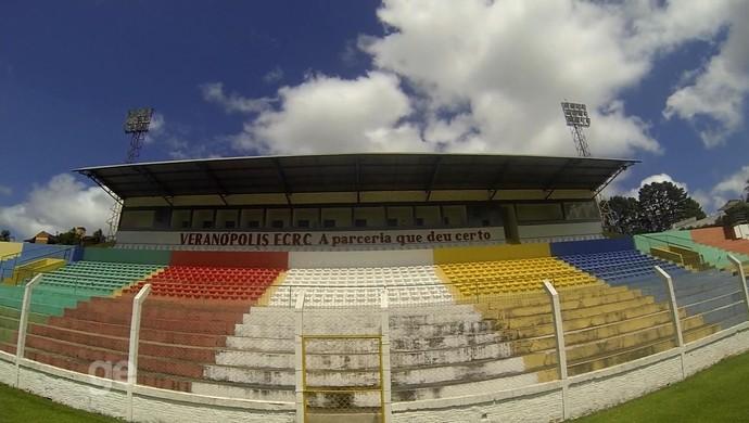 Estádio Antônio David Farina Veranópolis (Foto: Reprodução / RBS TV)