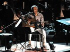 Gilberto Gil vai de Caymmi a Hendrix em show com orquestra no Rio