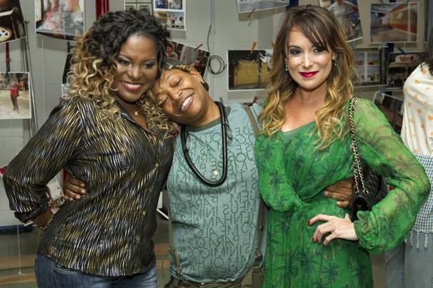 Karin Hills, Mart'nália e Karina Marthin vão fazer você rir de novo a partir de outubro (Foto: Globo)