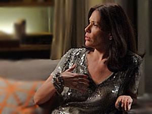 Alexia fica furiosa e debocha das duas (Foto: Avenida Brasil / TV Globo)