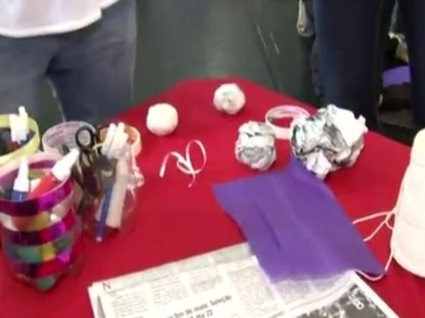 Atividades são propostas com utilização de materiais recicláveis (Foto: Reprodução / TV TEM)