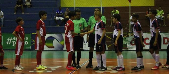 Auxiliadora e Maurício Rolim em partida do mata mata na Copa TV Grande Rio  (Foto: Magda Lomeu)