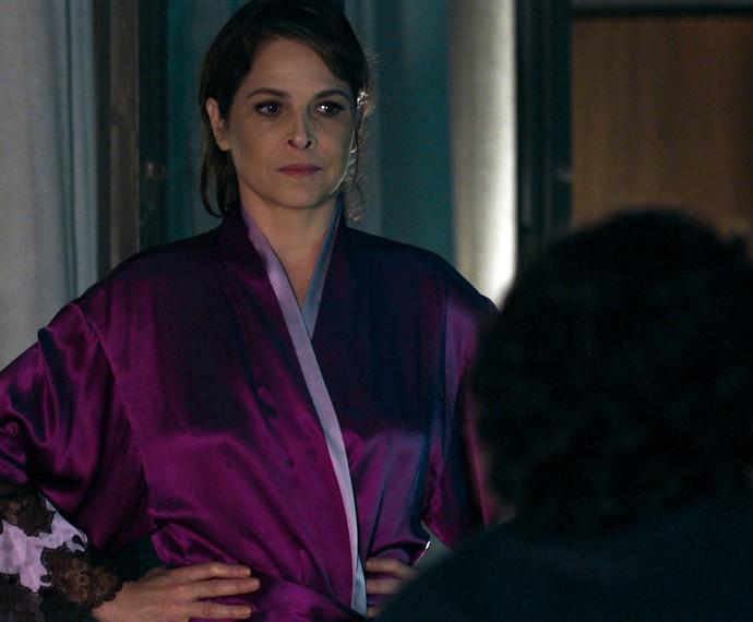 Angel pede para a mãe deixar Guilherme dormir no quarto (Foto: TV Globo)