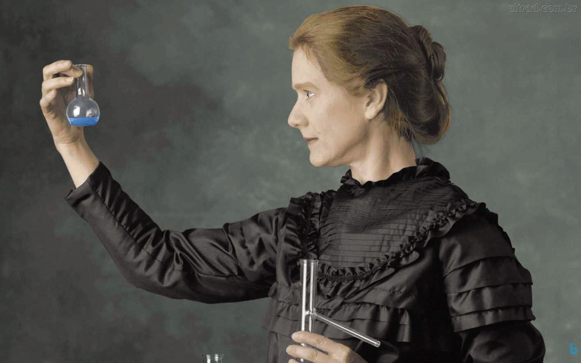 MARIE CURIE, INTERPRETADA POR SUSAN MARIE FRONTCZAK  (Foto: SUSAN MARIE FRONTCZAK)