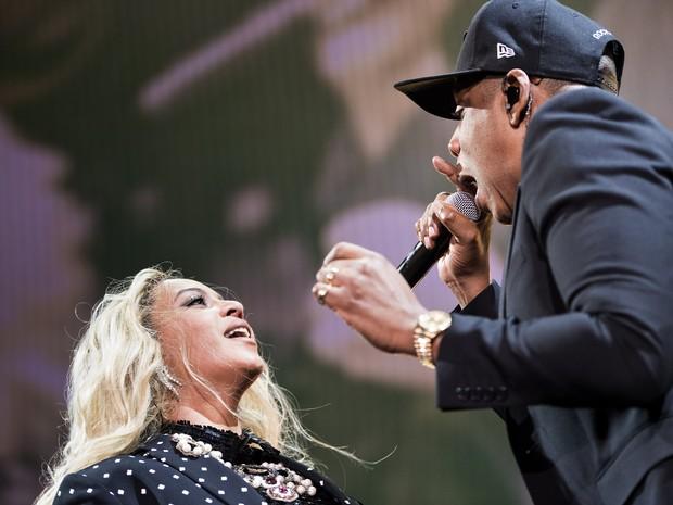 Beyoncé e Jay-Z se apresentam em Cleveland, nos Estados Unidos (Foto: Brendan Smialowski/ AFP)