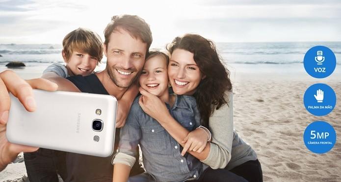 Câmera frontal de 5 Mpx garante selfies excelentes (Foto: Divulgação / Samsung)