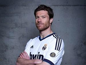 Xabi Alonso, nova camisa Real Madrid (Foto: Divulgação)
