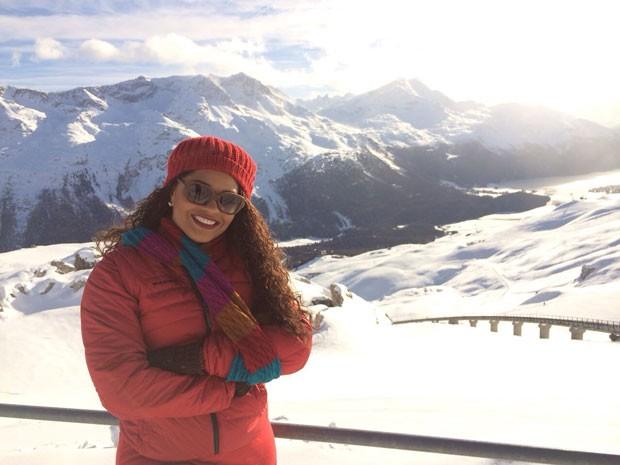 No meio da neve, Juliana brinca: '-10 Graus congela até o sorriso' (Foto: Arquivo Pessoal)