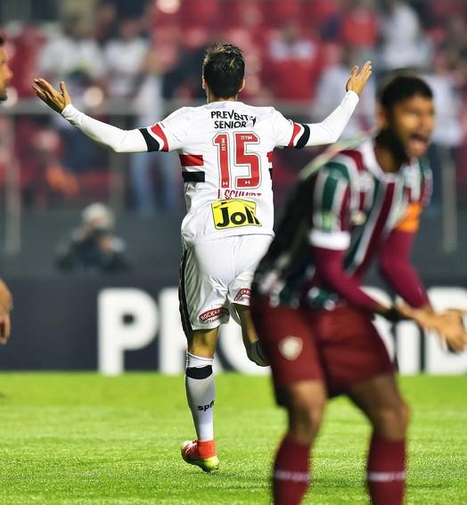 """""""Um time de rebotalhos"""" (Marcos Ribolli)"""