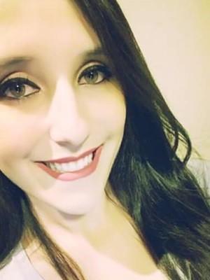 Gerente de bar Jéssica Correia de Queiróz, 25, morreu ao ser atropelada por carro, em Goiânia (Foto: Arquivo pessoal/Marília de Queiróz)