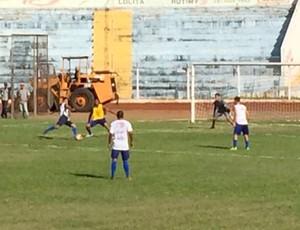 Treino do Osvaldo Cruz (Foto: Ronaldo Nascimento / GloboEsporte.com)