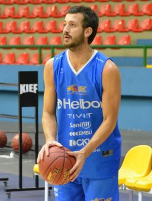 Elinho treino Mogi das Cruzes Basquete (Foto: Cairo Barros)