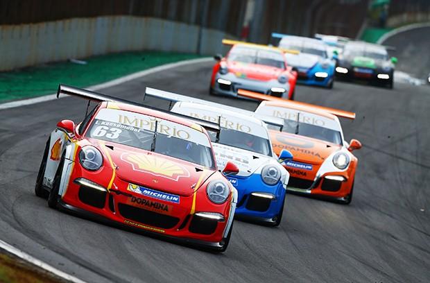 Lico Kaesemodel vice-líder na corrida extra de sexta feira (Foto: Divulgação/Luca Bassani/Porsche Império GT3)