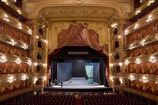 O Teatro Colón é uma das três melhores casas de ópera do mundo. Neste novembro apresenta Elektra e Madame Butterfly (Foto: © Haroldo Castro / ÉPOCA)