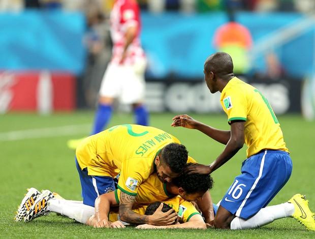 Oscar comemora gol do Brasil contra a Croácia (Foto: Jefferson Bernardes / Vipcomm)