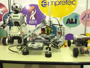 Robô foi exposto na 5ª Feira do Empreendedor do Sebrae em Macapá (Foto: John Pacheco/G1)