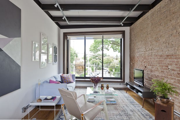 Casa pequena de jovem solteira ganha fluidez e luz natural - Reformas en casas pequenas ...