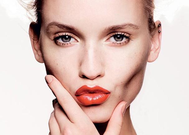 Afine o rosto e diminua as bochechas com maquiagem (Foto: Divulgação)