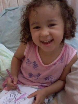 Maria Júlia tem alergia alimentar e foi impedida de frequentar escola em Catalão, Goiás (Foto: Arquivo pessoal)