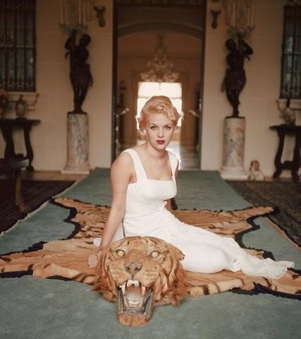 Lady Daphne Cameron, Florida,  1959. (Foto: Slim Aarons/Divulgação)