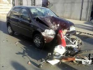 acidente moto adolescente Nova Serrana MG (Foto: Rafael Moreira/G1)