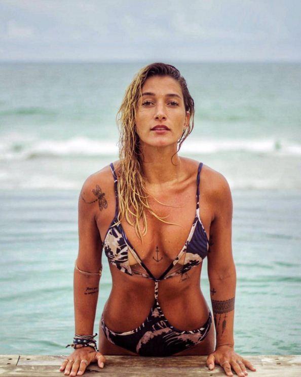 426d1724f5e6f6 Gabriela Pugliesi surge com maiô superrecortado em Alagoas - Vogue ...