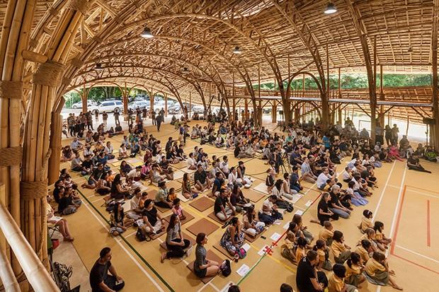 Centro esportivo na Tailândia é feito apenas de bambu (Foto: CLA Architects/Divulgação)