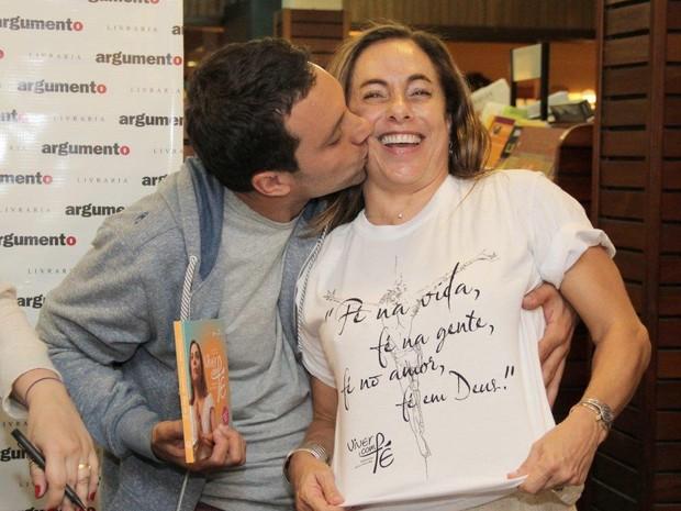Thomaz e Cissa Guimarães (Foto: Alex Palarea / AgNews)