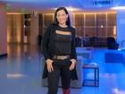 Mônica Carvalho, 14kg mais magra, deixa sutiã à mostra em ida ao teatro