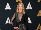 Aos 49 anos, Nicole Kidman abusa da transparência em tapete vermelho