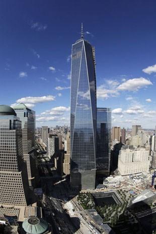 O gigante One World Trade Center, em Nova York (Foto: Mark Lennihan/AP Photo)