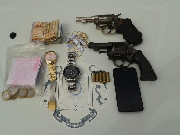aecd4b294d5 Trio é preso 5 horas após assalto a joalheria na Zona Sul de Porto Alegre