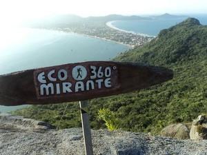 Mirante 360ºC é um dos pontos de turismo de Bombinhas (Foto: Secretaria de Turismo/Divulgação)