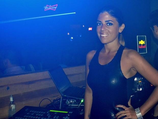 Rachel Pacheco esteve em Bauru para tocar em uma casa noturna (Foto: Marcelo Bueno)