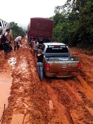 Atoleiros param trânsito em rodovia no noroeste de Mato Grosso  (Foto: Do internauta)