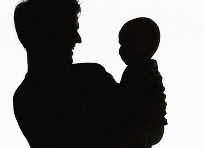 Mateus Solano e o pequeno Benjamin (Foto: Reprodução Arquivo Pessoal)