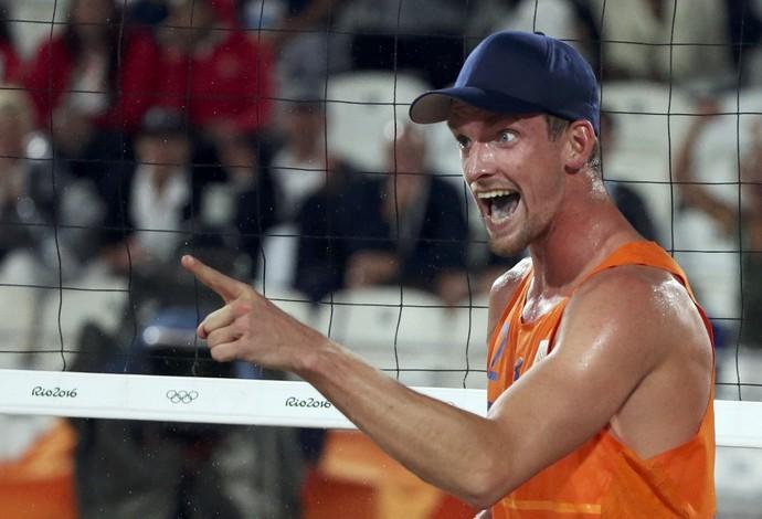 Robert Meeuwsen Holanda vôlei de praia (Foto: REUTERS/Adrees Latif)